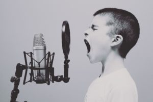 mikrofon, musik dreng